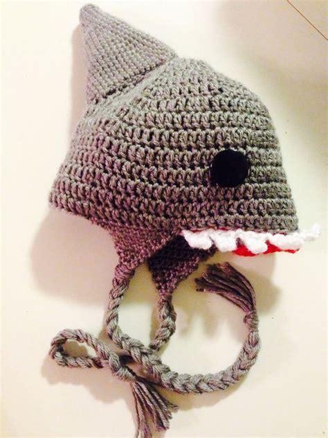 baby shark repeat shark hat http www repeatcrafterme com 2013 08 crochet