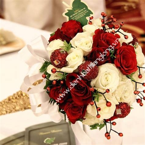 Wedding Bouquet Delivery by Wedding Bouquets