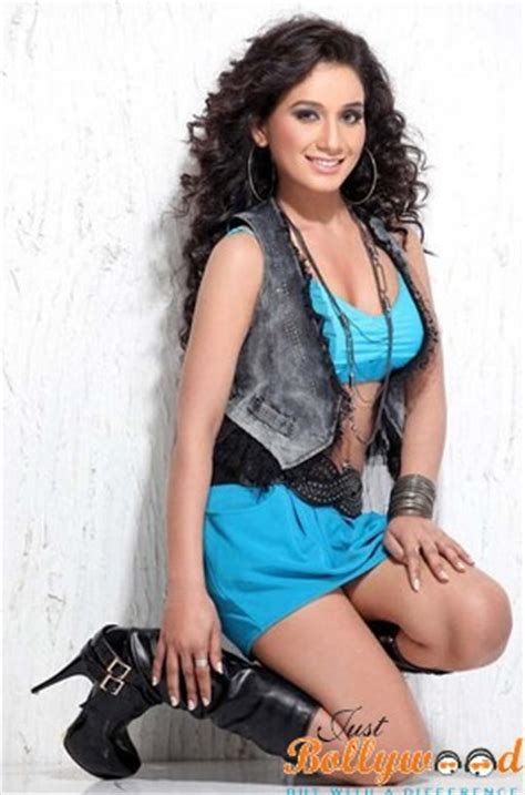 chetna kaintura biography wiki age height instagram serial wallpapers   justbollywood