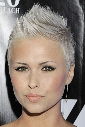great platinum haircuts 17 best ideas about platinum blonde pixie on pinterest