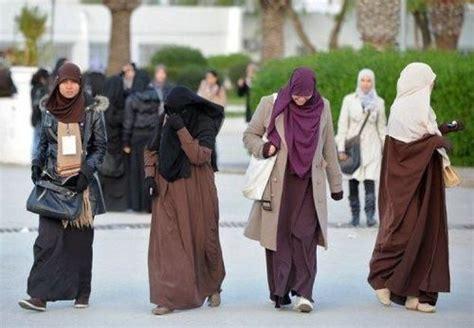 Khimar Jilbab Umi Hani Pet true syar i quot hijabers