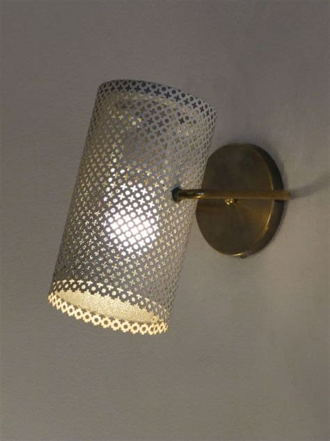 guariche wall light side lighted