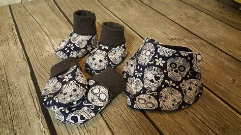 Runi Set pdf m 248 nster pattern dregglis tossor och bebisvantar baby set pattern made by runi