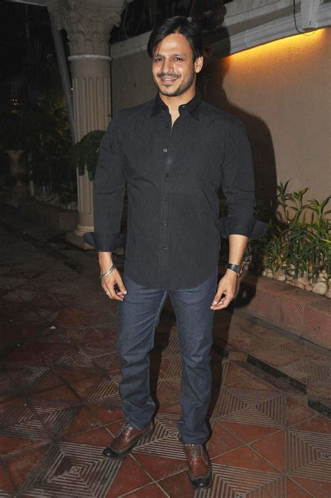 actor vivek birthday actor vivek oberoi at birthday party of singer mika hosted