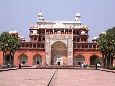 Different Styles Of Houses akbar s tomb sikandra akbar s tomb situated in sikandra