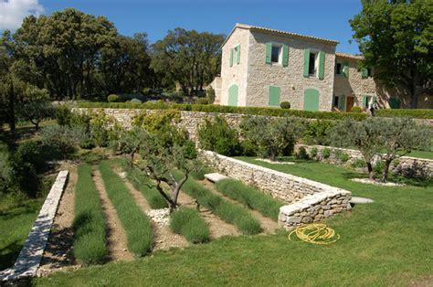 Aménagement Bassin Jardin by Les Jardins De La Dr 244 Me Proven 231 Ale Paysagistes Cr 233 Ateurs