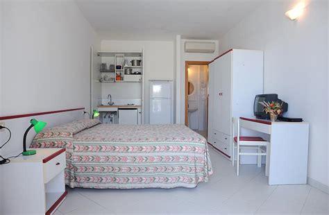 appartamenti le sirene cavoli appartamenti e camere le sirene spiaggia di cavoli
