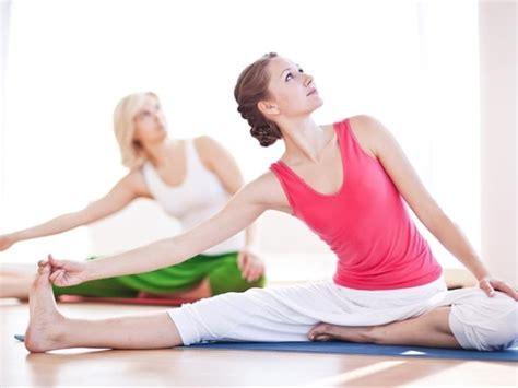tutorial para hacer yoga en casa yoga antiestr 233 s para hacer en casa