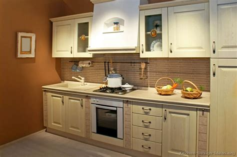 whitewash kitchen cabinets kitchen cabinets white washed quicua com