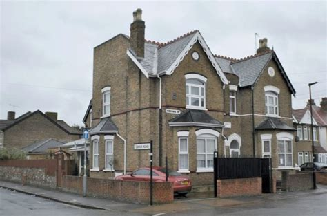 4 bedroom houses for rent in hounslow 4 bedroom semi detached house for sale in hibernia road hounslow tw3