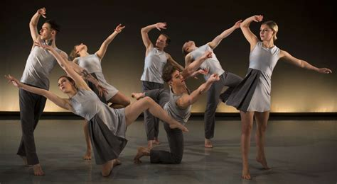 the contemporary dance experience itravel