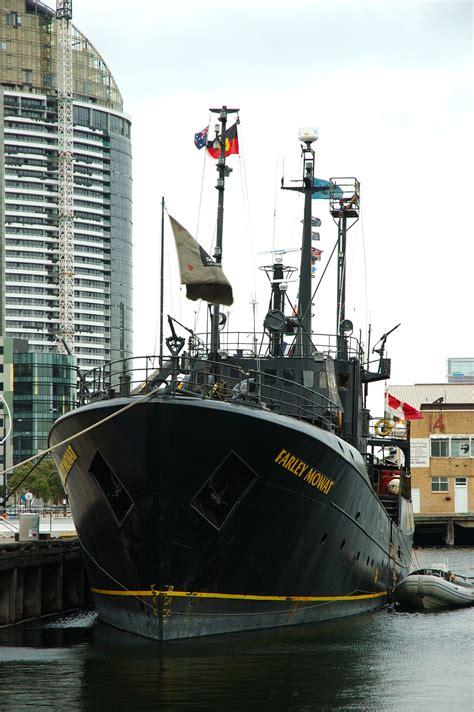 Kaos Sea Shepherd Neptune Navy rv farley mowat