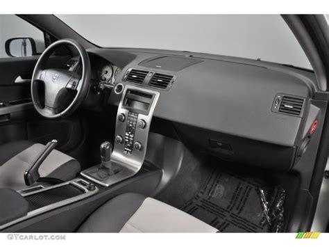 car maintenance manuals 2011 volvo c30 instrument cluster 2008 volvo c30 t5 version 2 0 off black cream dashboard