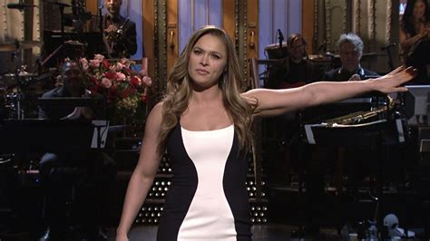 Snl 3 Sketches Rolling by Tina Fey As Palin A Bachelor Spoof And Leslie