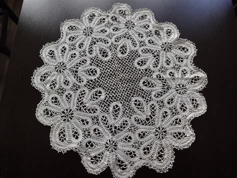 Handmade Crochet Lace - stunning vintage handmade cotton crochet brussels lace