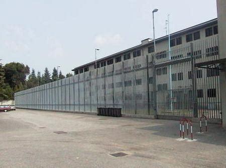 la casa della batteria busto arsizio carcere di busto quot 232 piena emergenza detenuti come polli