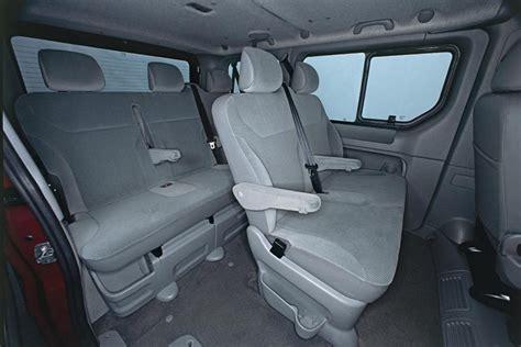 opel vivaro interior foto habitaculo interior del modelo opel vivaro furgon
