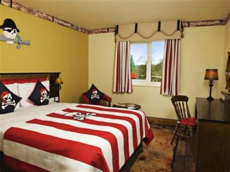 themed hotel england legoland windsor resort hotel deals reviews windsor