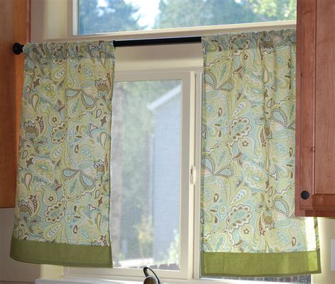 Small Kitchen Curtains Decor Small Window Kitchen Curtains With Simple Small Green Curtain With Floral Pattern Ideas Popular