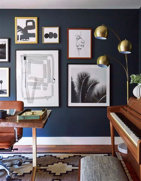 home office ideen moody mid century home office emily henderson