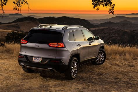 cherokee jeep xj 2017 jeep cherokee reviews and rating motor trend