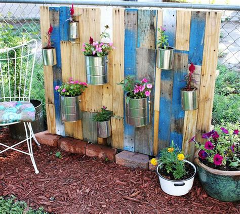 Diy Garden Ideas by Diy Vertical Pallet Garden Outdoortheme