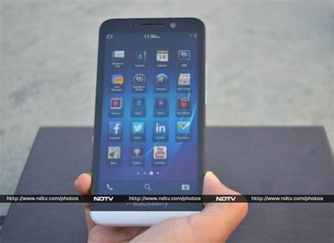 ndtv mobile compare blackberry z30 review ndtv gadgets360