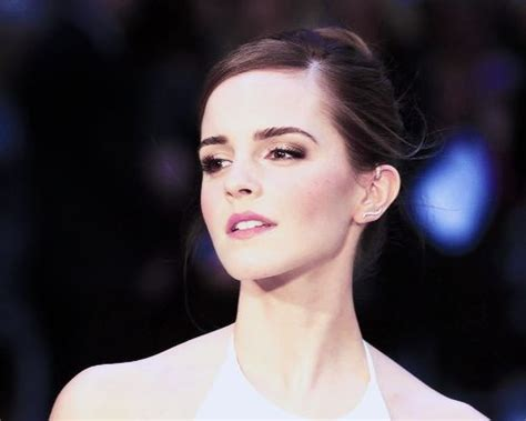 emma watson quizzes buzzfeed emma watson at the premiere of noah in leicester square