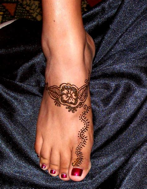 henna tattoo on feet meaning henna flower foot makedes