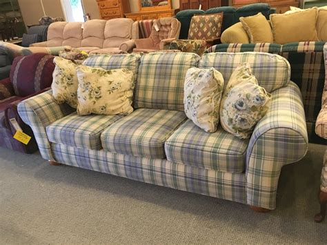 broyhill plaid couch broyhill plaid sofa allegheny furniture consignment