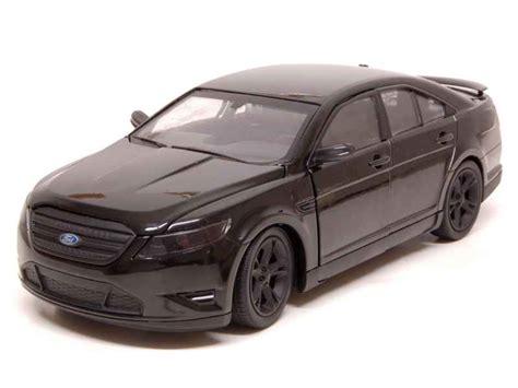Sho Black Metal ford taurus sho 2012 greenlight 1 24 autos miniatures tacot