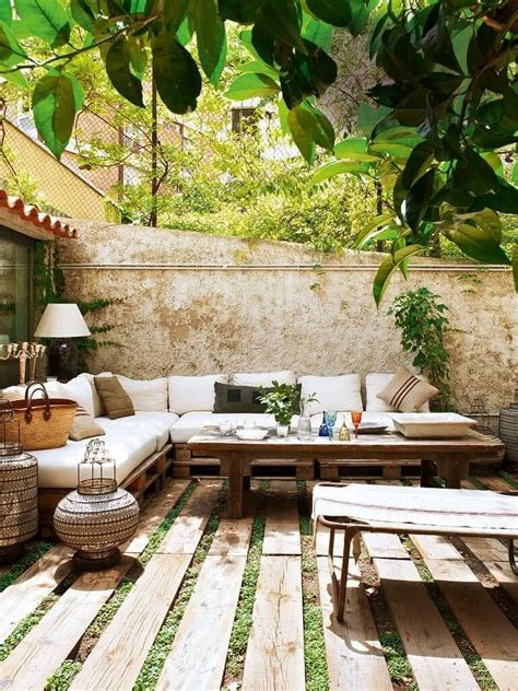 Cool Backyards Ideas 15 Cool Backyard Flooring Ideas