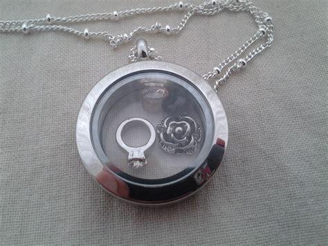 Origami Owl Canada - origami owl living locket review emily reviews
