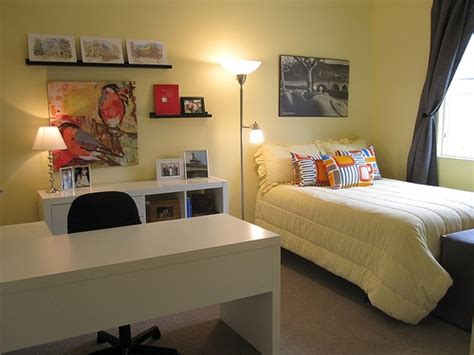 spare bedroom study ideas 1000 ideas about office guest bedrooms on pinterest