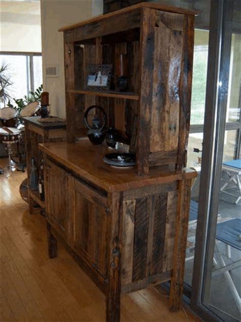 Reclaimed Wood Pallet Furniture