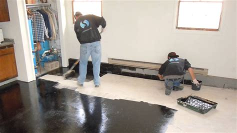 How To Use A Floor by Trucrete How To Apply Truamour One Day Epoxy Garage