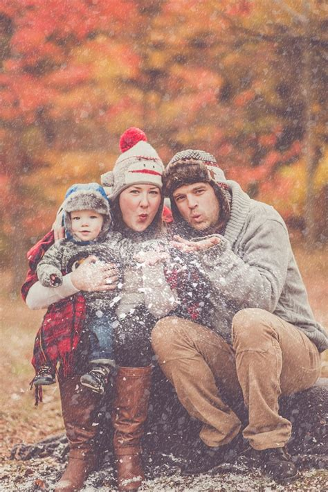realistic family pictures  christmas creative