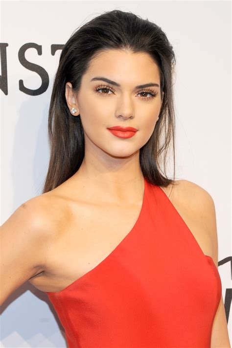 what color lipstick does jenner wear kendall jenner lipstick the model unveils