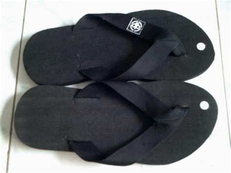 Sandal Sandal Jepit Lacoste Hitam 02 sandal jepit logo tali harga grosir murah grosir sandal