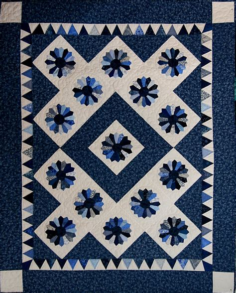 Dresden Plate Quilt Pattern by Quilt Inspiration Dresden Plate Quilts