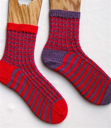 knitted sock patterns easy knit sock pattern easy two color by wearableartemporium on