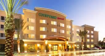 Courtyard Marriott Courtyard By Marriott Anaheim Disneyland Hotel Anaheim