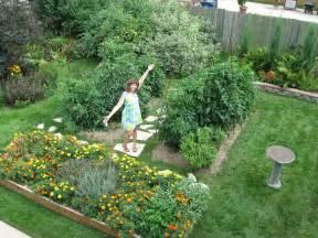 Patio Tomato Plants Backyard Garden 6 Foot Tomato Plants Racine Wisconsin