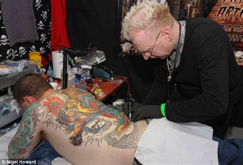 online tattoo course uk jobless offered free tattoo lessons daily mail online