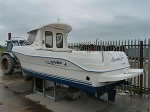 215 fishing boat 163 19 995 00 fishing cruisers boats for sale