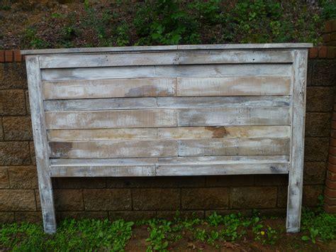 white pallet headboard white wash pallet headboard pallet furniture pinterest