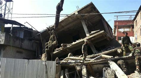 earthquake news india 9 killed over 100 injured as strong quake hits north east