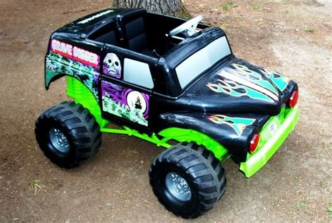 grave digger monster truck power wheels top 10 most ridiculous power wheels for kids 187 autoguide