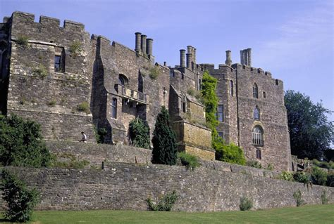 historical castles historic mansions and castles to visit in the cotswolds