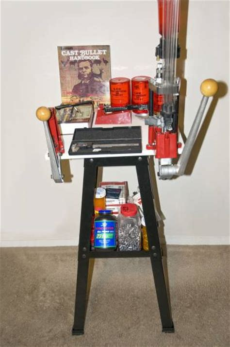 small space apartment reloading bench